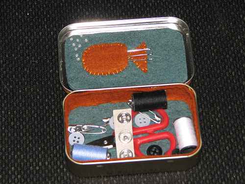 Altoids tin